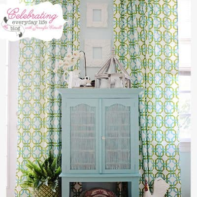 How to Paint with Annie Sloan Chalk Paint {a tutorial}