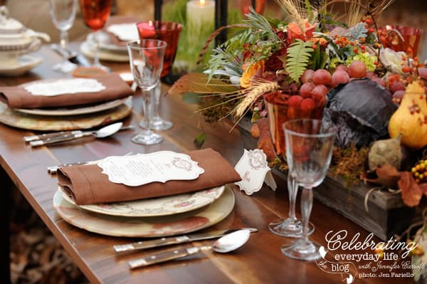 Fall Harvest Table, Thanksgiving Table Decorations, Thanksgiving Centerpieces, Thanksgiving Settings, Fall Centerpieces, Autumn Centerpieces, Fall Tablescape, Autumn Tablescape, Thanksgiving Decorations, Autumn Decorations, Fall Decorations, Thanksgiving Entertaining, Fall Entertaining, Autumn Entertaining, Autumn Placesetting, Thanksgiving Placesetting, Fall Placesetting, Fall Placecard idea, Autumn Placecard Idea, Thanksgiving Placecard Idea