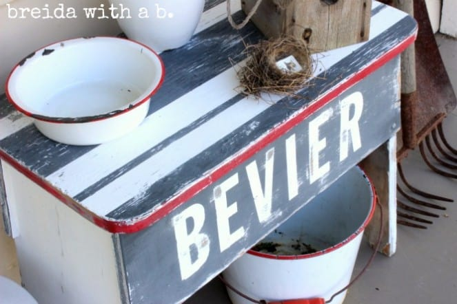 Annie Sloan Chalk Paint bench makeover from Breida with a B blog
