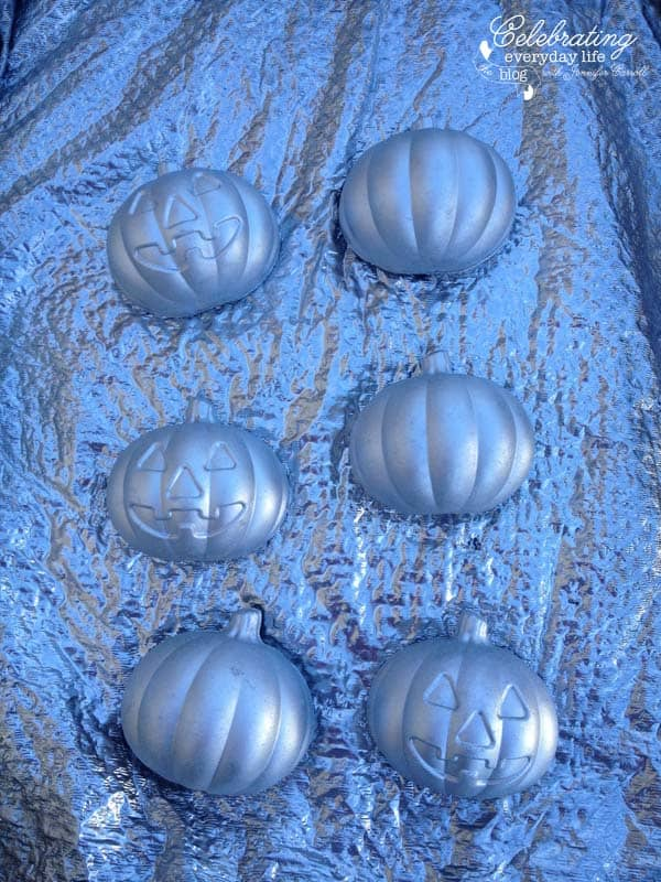 Silver pumpkin treat boxes, how to glitter pumpkins
