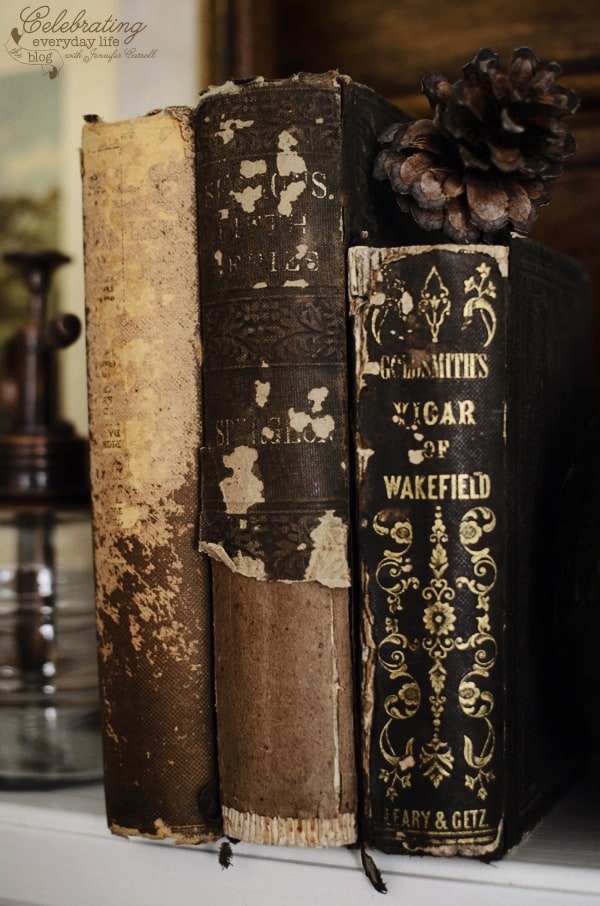 antique books, fall decor ideas, autumn decor ideas