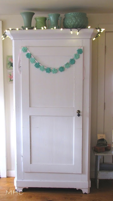 crocheted garland from Mockingbird Hill Cottage blog