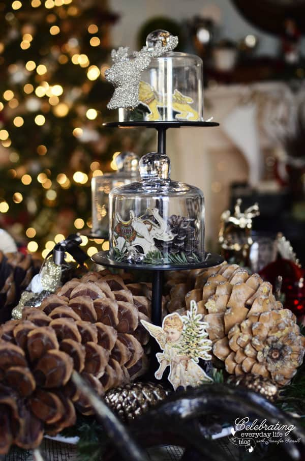 Christmas Centerpiece with pinecones