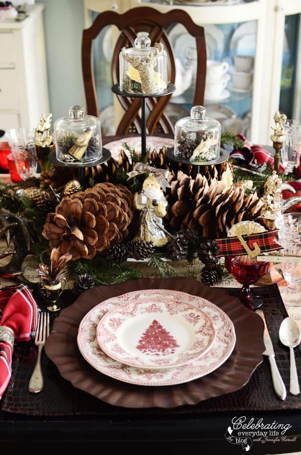 My Christmas Table Setting {Setting a Holiday Table, Part 2}