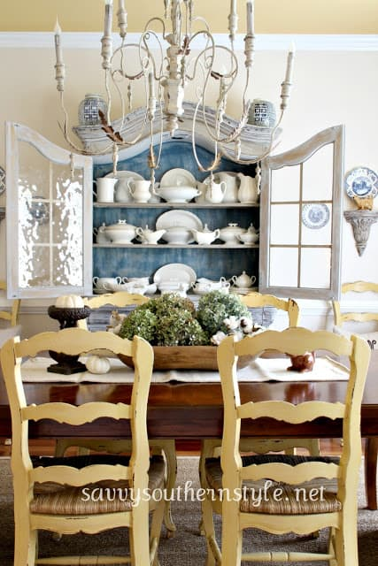 Savvy Southern Style dining room