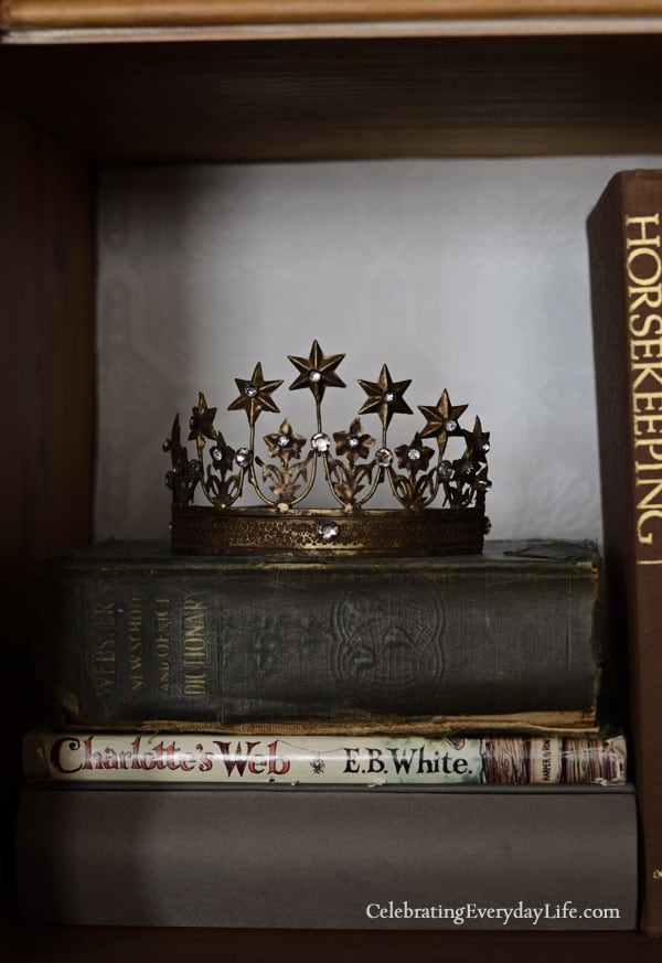 Vintage inspired french crown