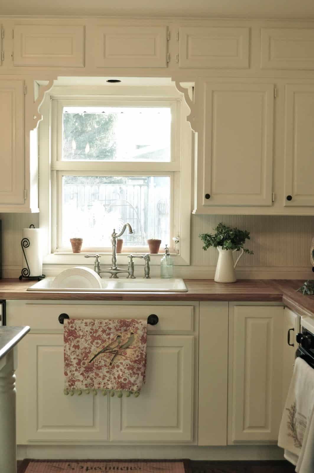 Beautiful #827349 Blogs I Love} Jennifer Rizzo Celebrating Everyday Life With Kitchen  Sink Window Trim