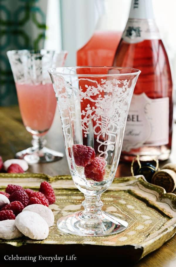 champagne cocktail recipe, champagne spritzer, raspberry champagne cocktail, raspberry spritzer
