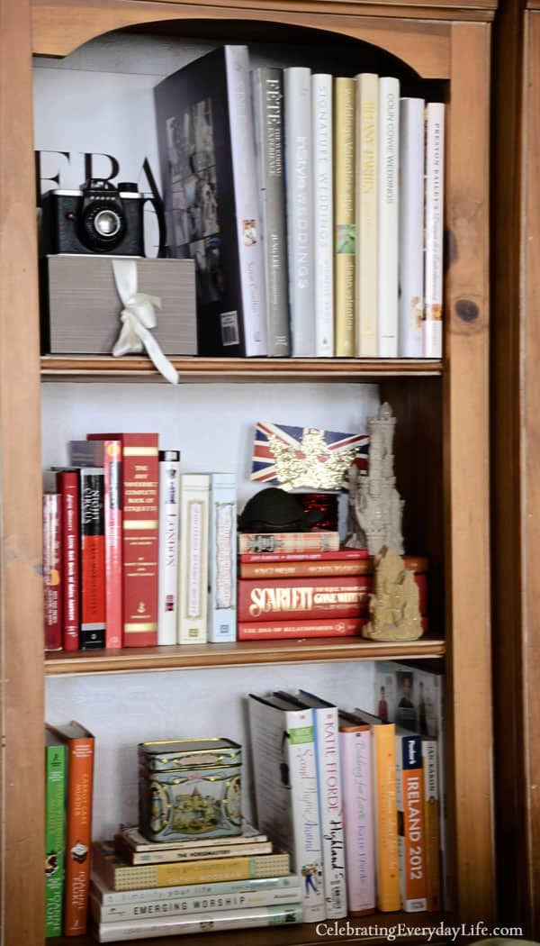 Book Shelf decor, styling book shelves, decorating bookshelves