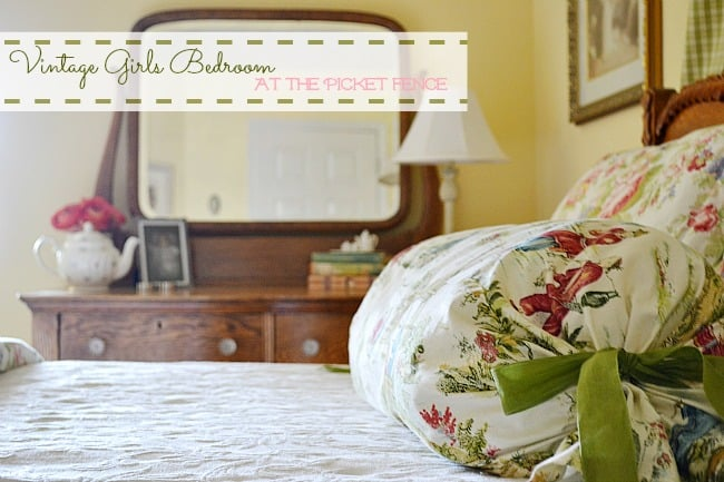 Vintage-Girls-Bedroom-At-the-Picket-Fence