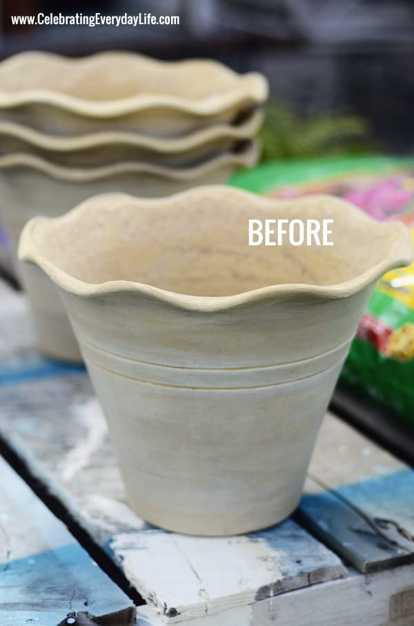 Painting Terracotta Flower Pots, Painting flower pots with Annie Sloan Chalk Paint, Scalloped Terracotta Pot from Home Depot