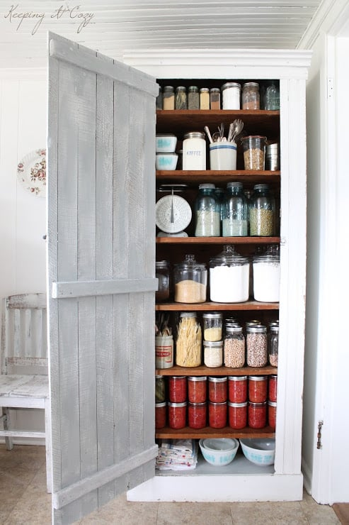 Keeping It Cozy blog, Mini Pantry Makeover