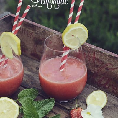 Frozen Strawberry Lemonade {Refreshing Recipe!}