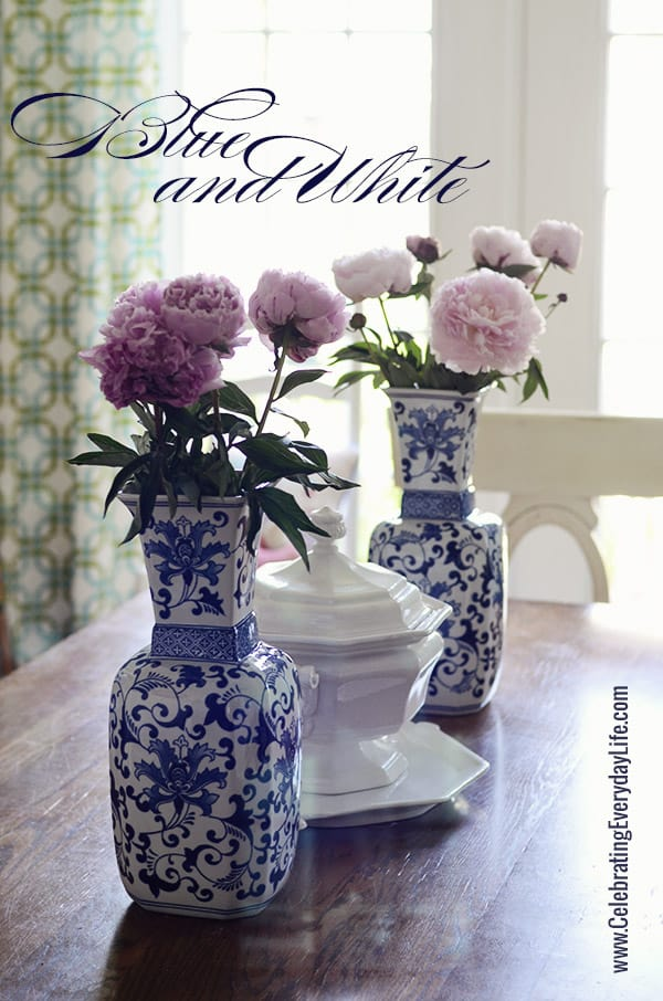 Touches of Blue amp White on my Dining Room Table Summer  : Vases from celebratingeverydaylife.com size 600 x 906 jpeg 178kB