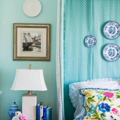Spring Bedroom Makeover : Creating a Blue & White Bedroom