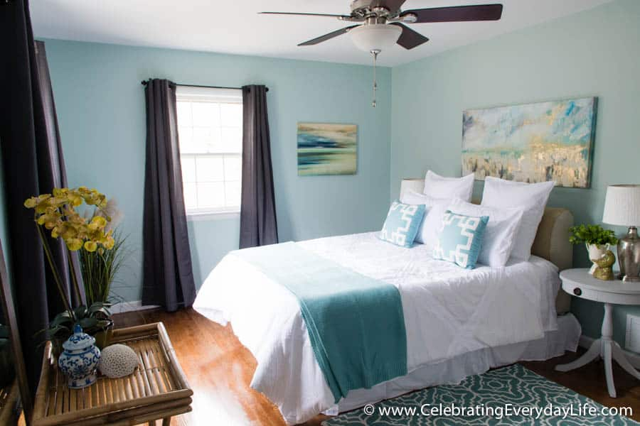 tips for how to stage a bedroom to sell