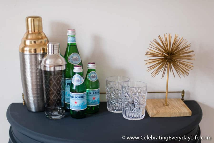 Home Staging Tips, Home staging ideas, How to style a bar, decorate a Bar, how to decorate a bar, celebrating everyday life with jennifer carroll
