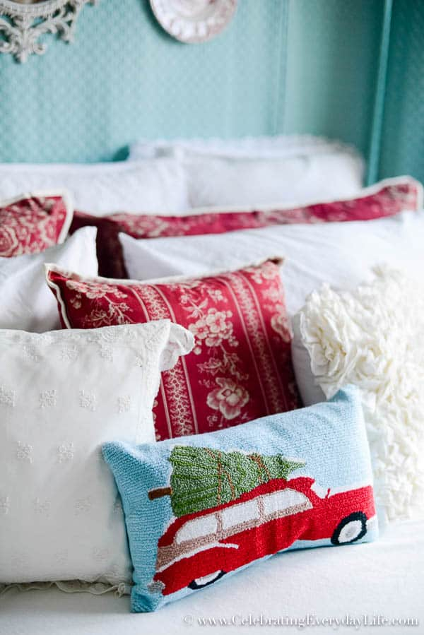 My Christmas bedroom decor  Red   white Christmas Decor  Turquoise red and  white Christmas. My Christmas Bedroom Decor   Celebrating everyday life with