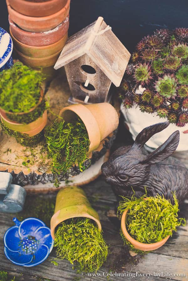 Moss Covered Pot Tutorial, Make Your Own Moss Covered Pot, Moss covered planter, How to cover a pot in moss, Spring Moss Craft, Celebrating Everyday Life with Jennifer Carroll