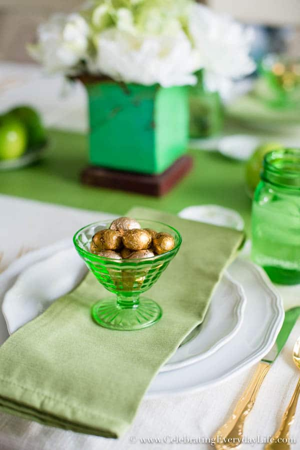 A Green and White Tablescape, St Patricks Day Tablescape, A Green and white Spring Tablescape, Spring Decor Ideas, Green and White Decor ideas, Celebrating Everyday Life with Jennifer Carroll