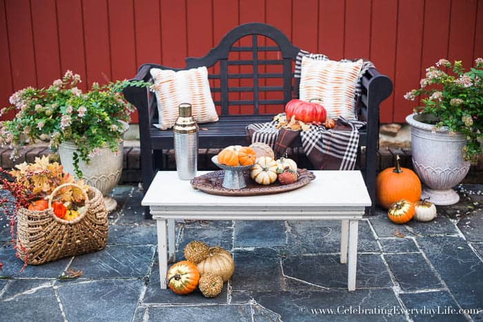 Fall porch ideas decorating with warm autumn tones - Elegant fall decorating ideas ...