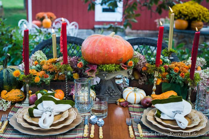 A Fall Tablescape, Fall Entertaining, Welcome Autumn, autumn splendor, Harvest table, Thanksgiving table decor, thanksgiving table ideas, Lush fall table ideas, outdoor fall entertaining, Celebrating Everyday Life with Jennifer Carroll