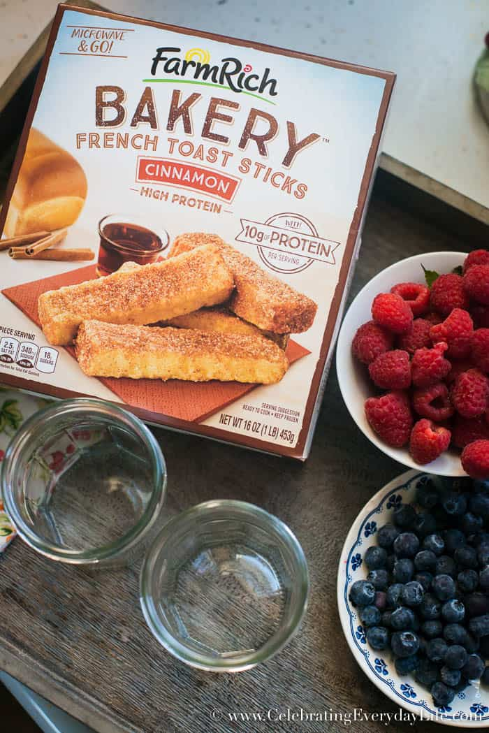 Fruit and French Toast mason jar breakfast, Farm Rich French Toast Sticks, breakfast on the go, Mason Jar breakfast, Wholesome Breakfast on the go, Celebrating Everyday Life with Jennifer Carroll