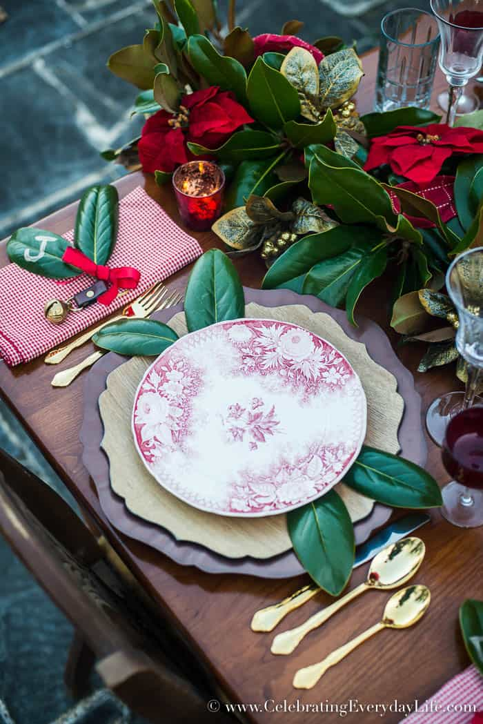 Magnolia Leaf Garland Christmas table, Celebrating Everyday Life with Jennifer Carroll, www.CelebratingEverydayLife.com
