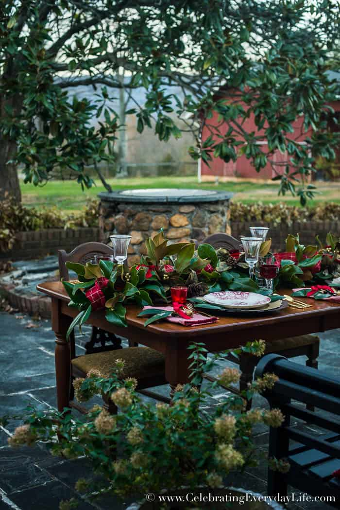 Set a Magnolia Christmas table, Celebrating Everyday Life with Jennifer Carroll, www.CelebratingEverydayLife.com