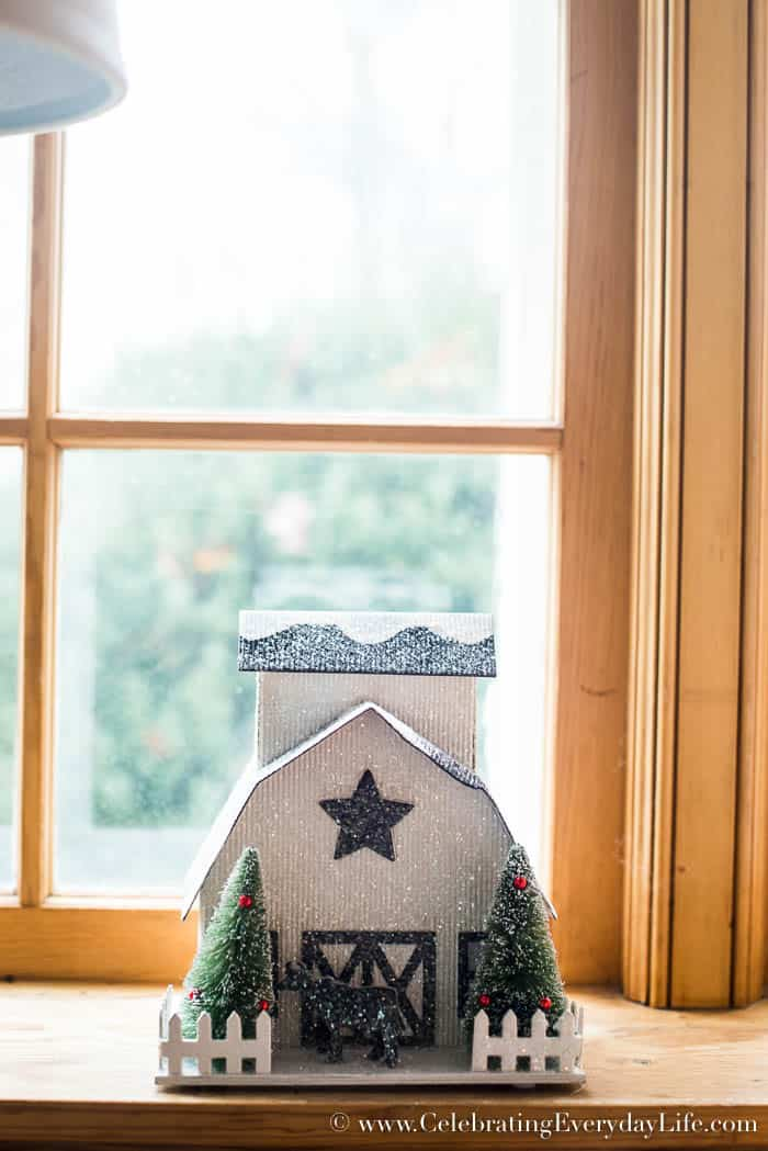 Paper Barn Farmhouse Christmas Decorating Ideas | Celebrating Everyday Life with Jennifer Carroll | www.CelebratingEverydayLife.com