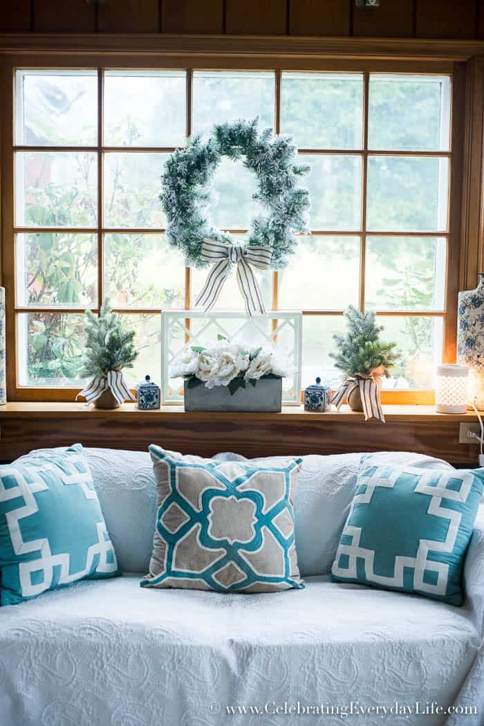 Farmhouse Christmas Decorating Ideas   Celebrating Everyday Life with Jennifer Carroll   www.CelebratingEverydayLife.com