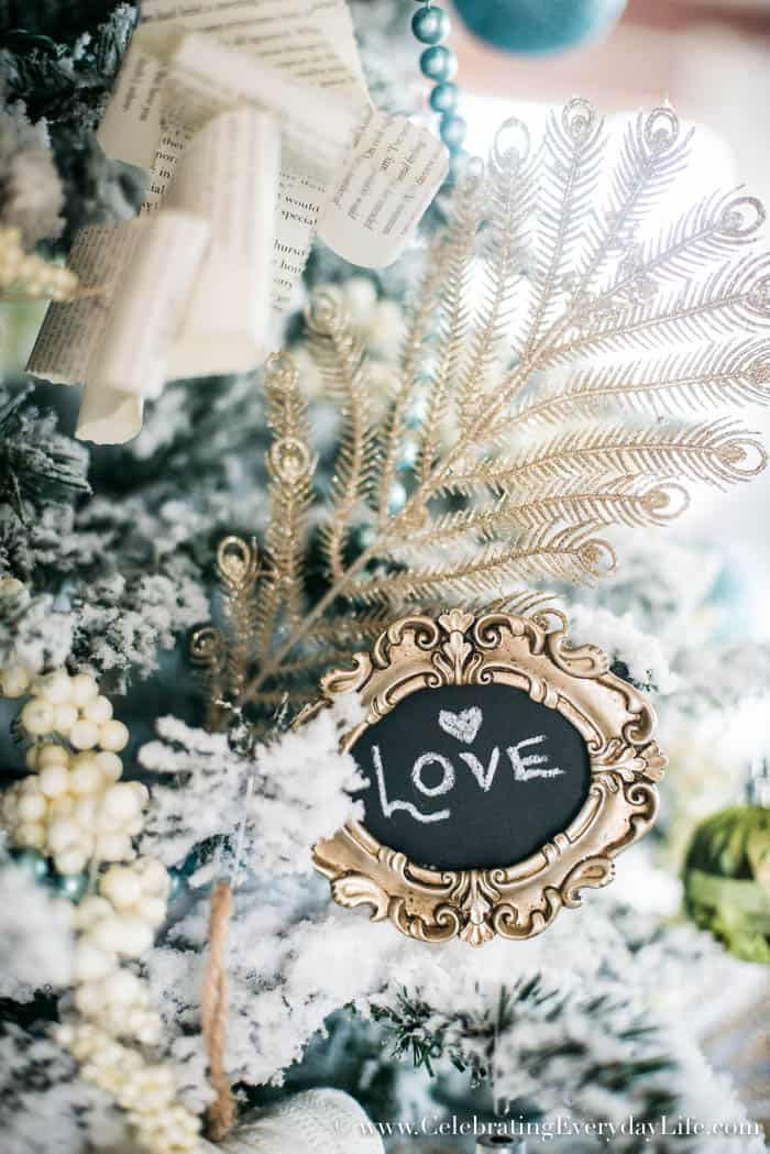 How To Decorate A Shabby Chic Christmas Tree | Celebrating Everyday Life with Jennifer Carroll | www.CelebratingEverydayLife.com