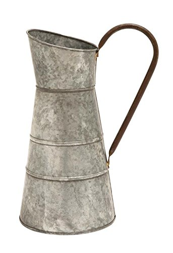 Galvanized Watering Can for Farmhouse Kitchen Style | Celebrating Everyday Life with Jennifer Carroll | www.CelebratingEverydayLife.com