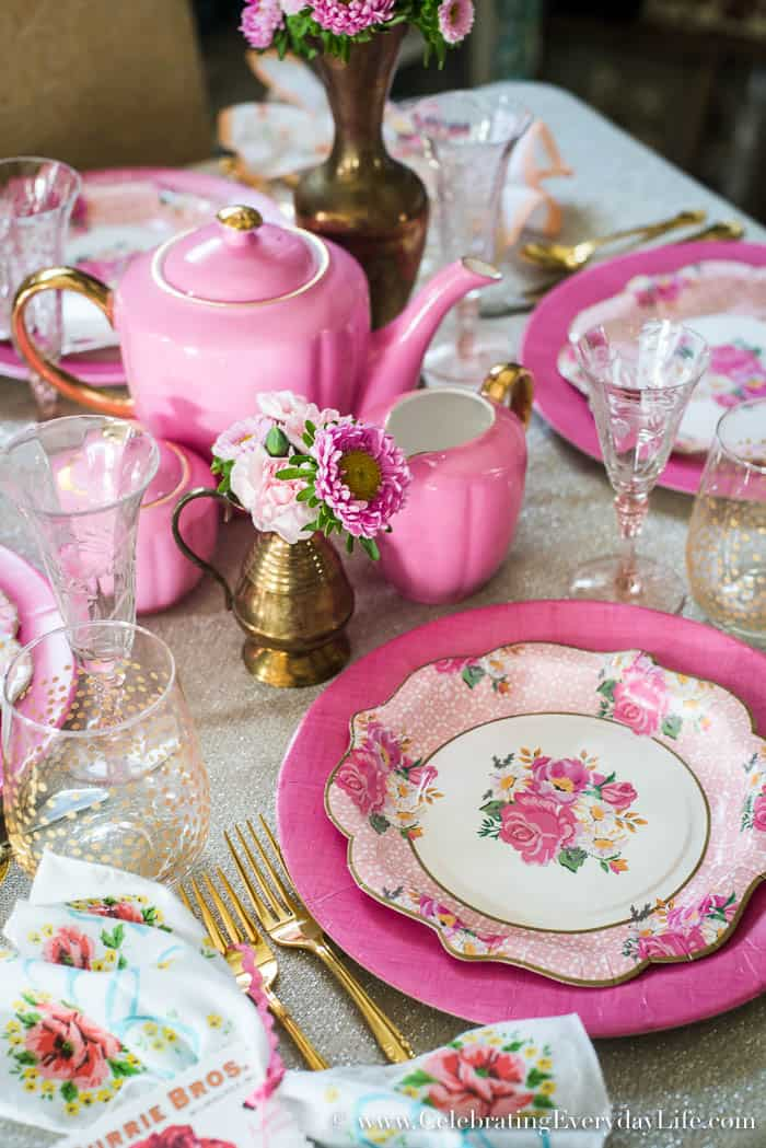 A romantic Vintage Valentine Pink Tablescape just in time for Valentine's Day entertaining - best of all, created with Paper Plates! Pretty and budget friendly entertaining | Celebrating Everyday Life with Jennifer Carroll | www.CelebratingEverydayLife.com