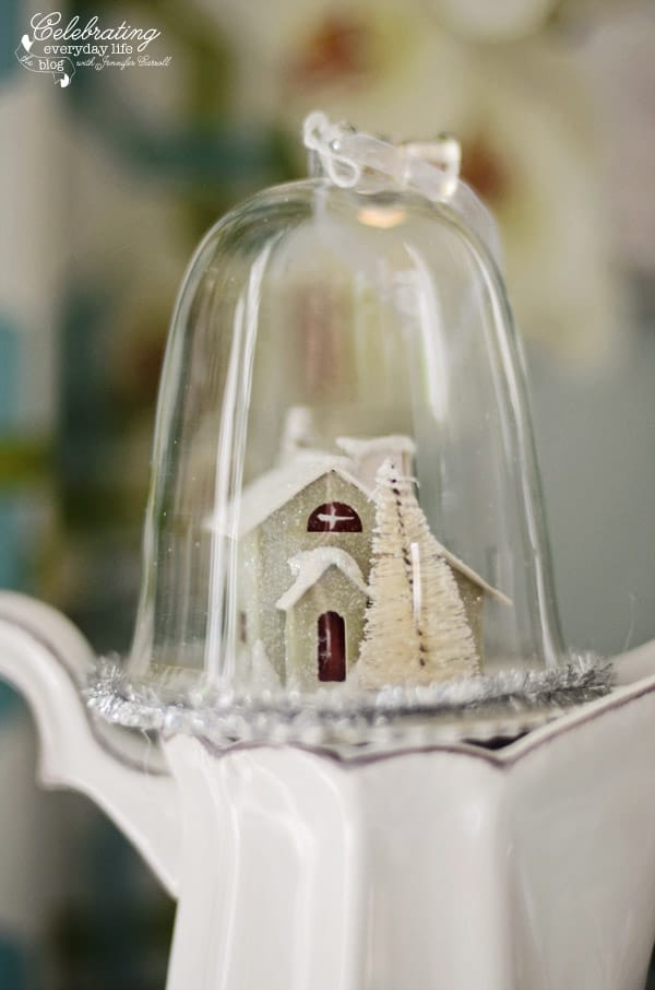 A Christmas House Cloche scene