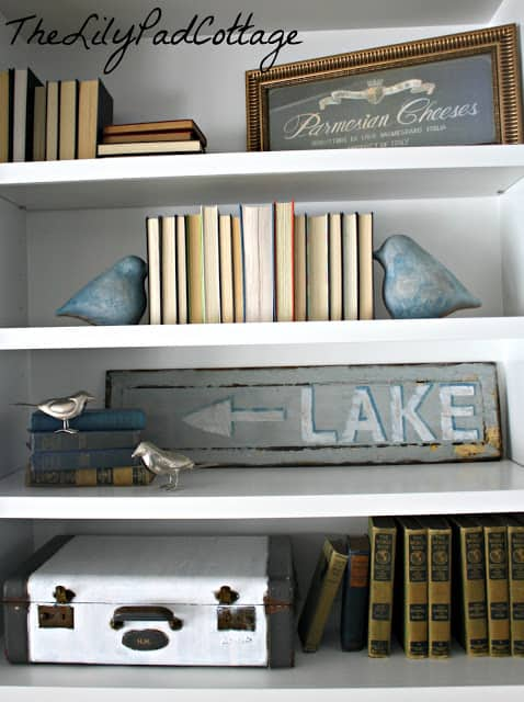 DIY Lake Sign from The Lily Pad Cottage blog