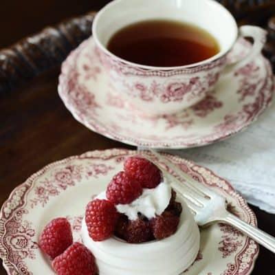 Raspberry & Champagne Meringue Cups {Champagne Dessert Recipe}