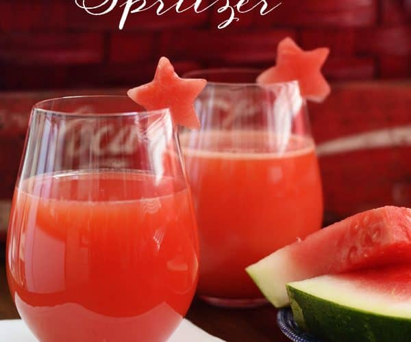 Star Spangled Spritzer {July 4th Holiday Cocktail Recipe}