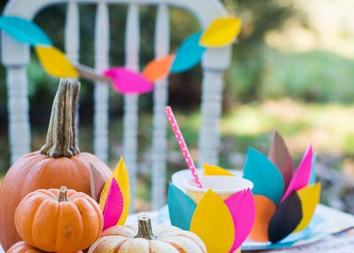 Kids Thanksgiving Table + Craft Ideas