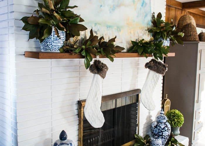 How to make a Mantel Fantastic: 5 minute Easy Christmas Mantel Decor