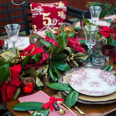 How to Set A Welcoming Red & White Christmas Table