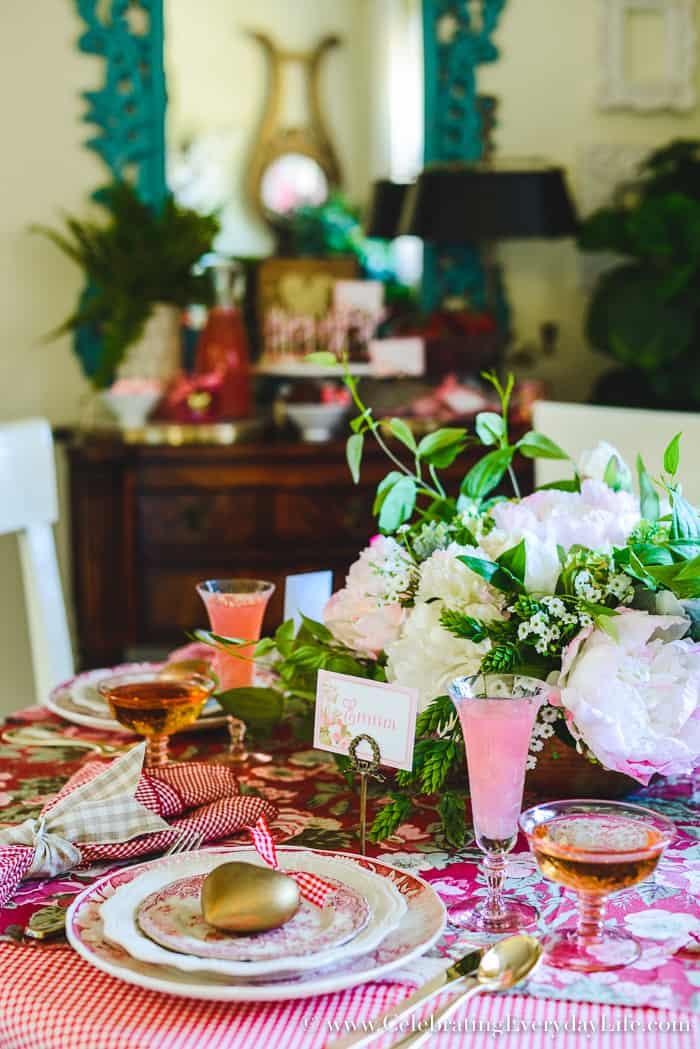 how to host a fantastic galentine 39 s day party this year. Black Bedroom Furniture Sets. Home Design Ideas